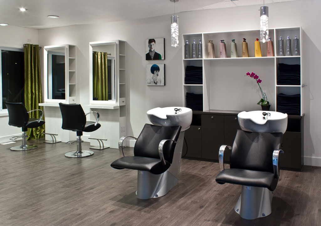 Well being space les armoires saint romain inc for Salon de coiffure tchip