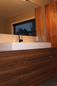 Salle de bain contemporaine - Évier, poignée